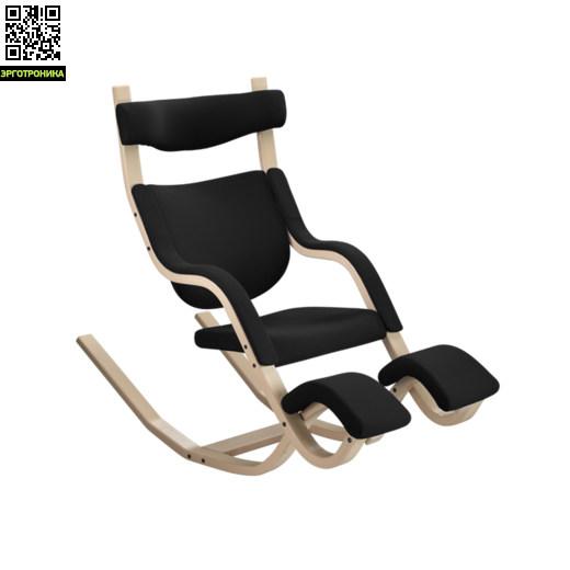 """Кресло Gravity BalansКоленные стулья<br>Хотели ли вы когда-нибудь ощутить невесомость? Кресло Gravity ™ balans® является очень необычным предметом мебели. Вы можете пользоваться им как классическим креслом и можете ощутить невесомость, в зависимости от положения. Это обеспечивает полнейший комфорте расслабление для ума, духа и тела.<br>""""Это не стул, это - образ жизни,"""" говорит Peter Opsvik, дизайнер этого необыкновенного кресла.<br><br>Традиционно, люди пользуются одним видом стула для отдыха и другим для того, чтобы выполнять какие-то действия (еда, р<br>"""