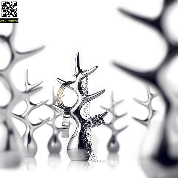 Подставка для украшений Jewellery TreeДля дома<br>Никаких больше узлов на запутанной цепочке или царапин на кольцах. Храните все свои любимые украшения на ветках этого дерева. Замечательный держатель можно расположить в ванной или на прикроватном столике, чтобы все важные и постоянно используемые аксессуары были под рукой.<br>
