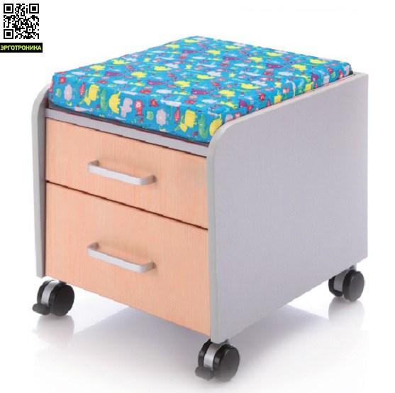 Подвижная тумба с сидушкой Comf-pro CabinetДетская мебель: тумбы, стеллажи, приставки<br>Можно использовать как стул, свободное перемещается на колёсиках, имеет две полки.<br>