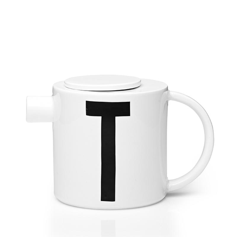 Заварочный чайник с буквой Т Design Lettres & Arne Jacobsen