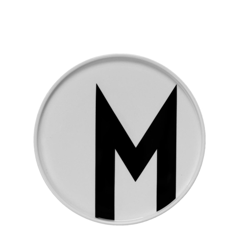 Тарелка с буквой М Design Letters