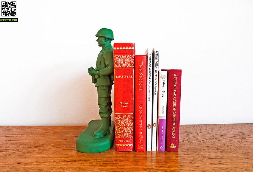 Ограничитель для книг Homeguard Soldier