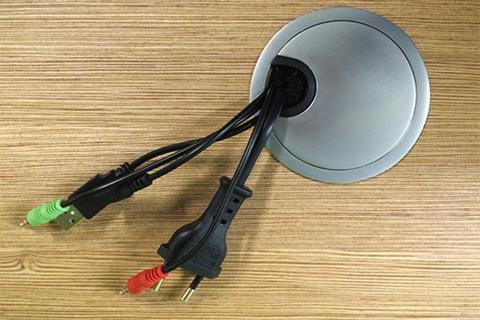 Круглый пропуск для кабеля