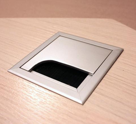 Пропуск для кабелей (квадратный)