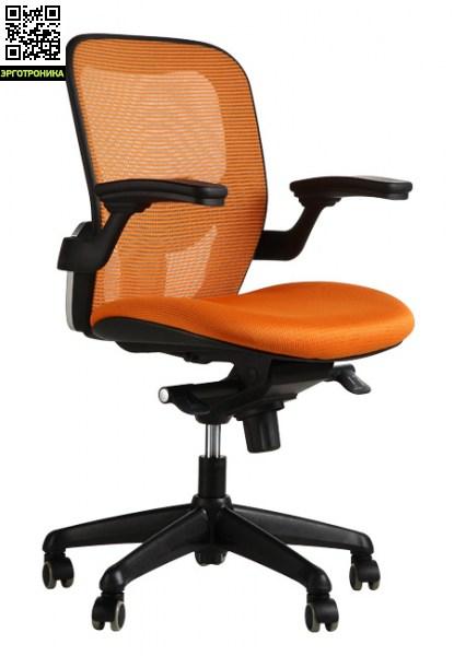 Эргономичное рабочее кресло TipoЭргономичные кресла<br>Синхромеханизм позволяет автоматически менять угол наклона сиденья синхронно с изменением наклона спинки в пропорции 1:3. Настройка механизма качания под вес сидящего позволяет регулировать обратное давление спинки кресла при качании. Поясничный валик с возможностью регулировки.Сетчатая спинка.<br>