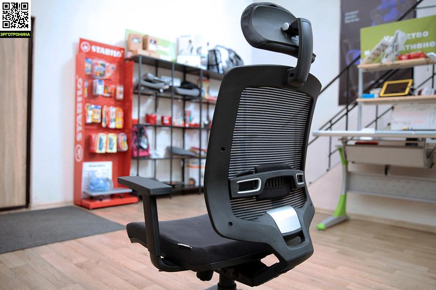 Офисное кресло Evolution EvoTop/PP AluЭргономичные кресла<br>Регулируемый подголовник<br>Поясничная поддержка<br>Крестовина полированный алюминий<br>Ролики для мягких полов<br>