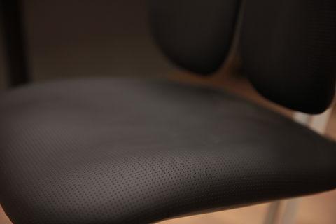Кожаное растущее кресло UP! Footrest Genuine Leather (Perforated)