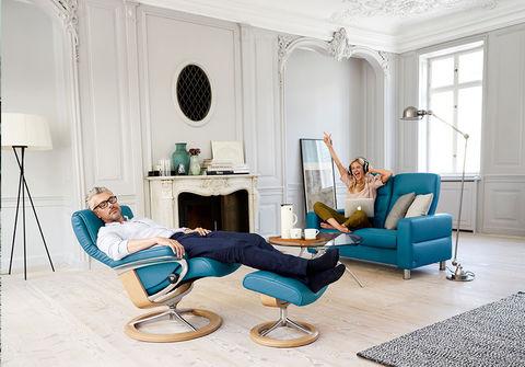 Кресло-реклайнер с пуфом Nordic Signature Set